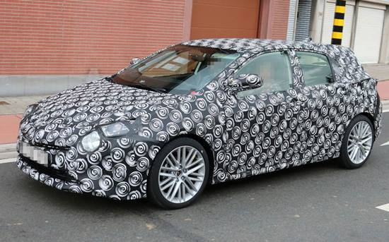 2018 Toyota Auris Hybrid Facelift