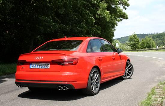 2018 Audi S4 Photos